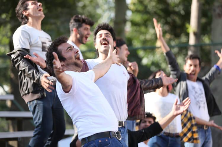 رضا عطاران در فیلم نهنگ عنبر 2