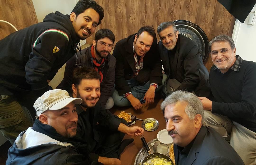 علیرضا استادی در پشت صحنه فیلم سینمایی لاتاری به همراه ابراهیم امینی، محمدحسین مهدویان، جواد عزتی و حمیدرضا هدایتی