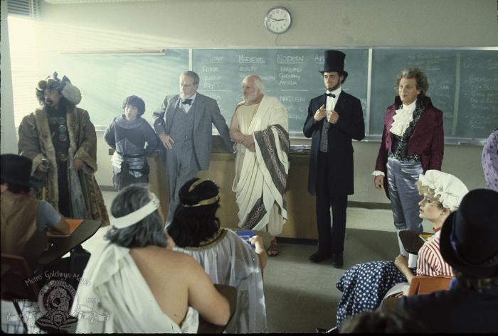 Al Leong در صحنه فیلم سینمایی یک ماجراجویی عالی از بیل و تد به همراه Rod Loomis، Robert V. Barron، Jane Wiedlin، Clifford David و Tony Steedman