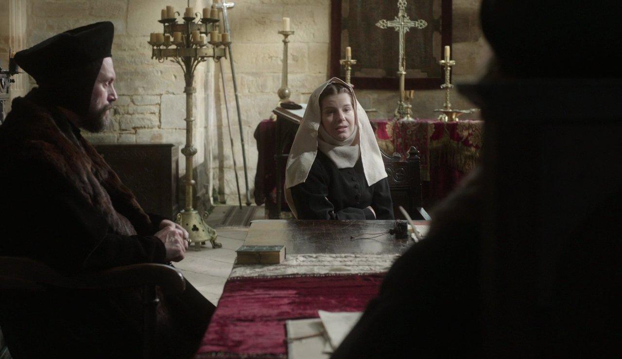 Aimee-Ffion Edwards در صحنه سریال تلویزیونی Wolf Hall