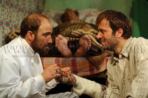 محسن تنابنده و احمد مهرانفر در فیلم استشهادی برای خدا