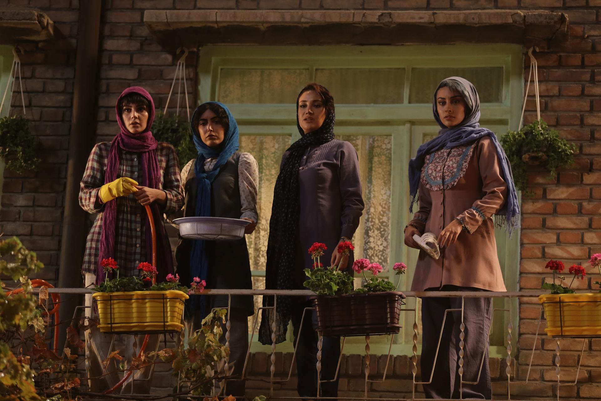 بهاره افشاری و ترلان پروانه در فیلم گشت ارشاد 2
