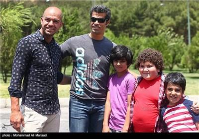 هادی ساعی و یوسف کرمی در فیلم سینمایی قهرمانان کوچک