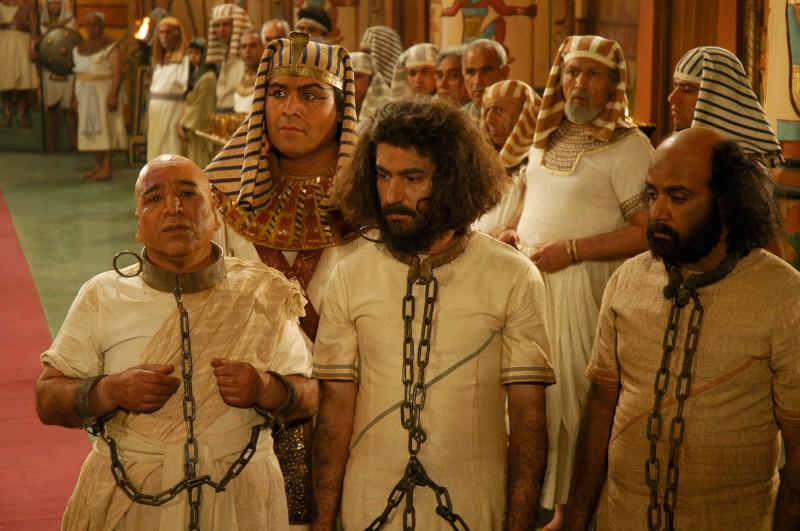 اسماعیل سلطانیان در نشست خبری سریال تلویزیونی یوسف پیامبر به همراه امیرحسین مدرس