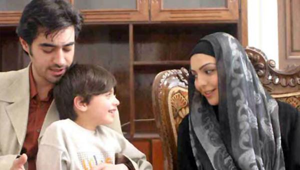 شهرزاد عبدالمجید در صحنه سریال تلویزیونی تب سرد به همراه سید شهاب حسینی