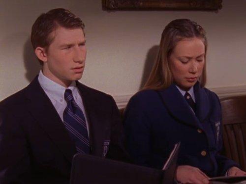 Adam Wylie در صحنه سریال تلویزیونی Gilmore Girls به همراه Liza Weil