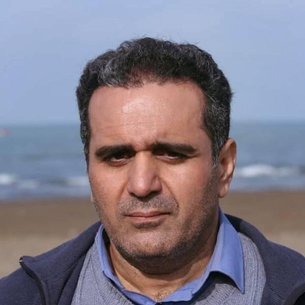 حسین رفیعی در صحنه سریال تلویزیونی شش قهرمان و نصفی