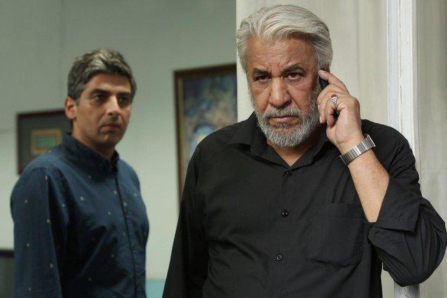 محمد فیلی در صحنه سریال تلویزیونی هاتف به همراه حمید گودرزی