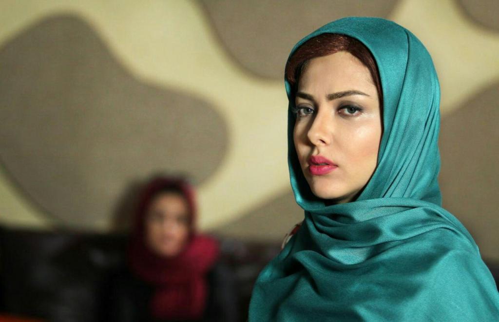 لیلا اوتادی در فیلم افسونگر
