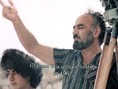 Sergei Parajanov در صحنه فیلم سینمایی رنگ انار