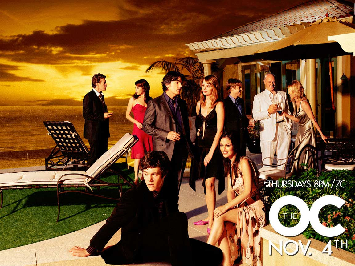 Alan Dale در صحنه سریال تلویزیونی The O.C. به همراه Melinda Clarke، Adam Brody، Peter Gallagher، Rachel Bilson، بن مکنزی، Kelly Rowan، Tate Donovan و Mischa Barton