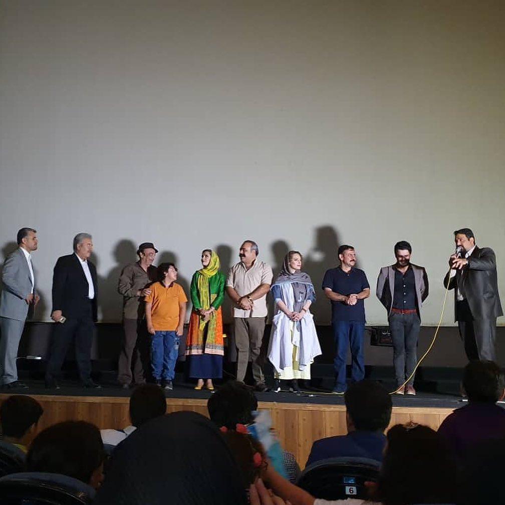 یوسف تیموری در اکران افتتاحیه فیلم سینمایی تپلی و من به همراه کیان علی پناه