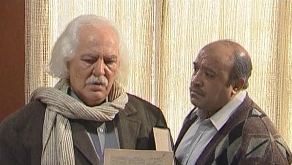 مظفر مقدم در صحنه سریال تلویزیونی رستوران خانوادگی به همراه جمشید اسماعیلخانی