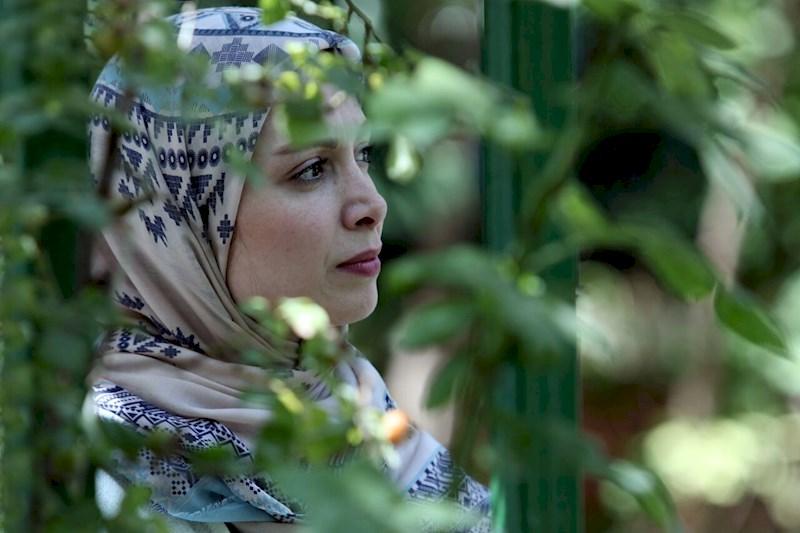 هشت و نیم دقیقه، تصویری از زنان صبور و عاشق
