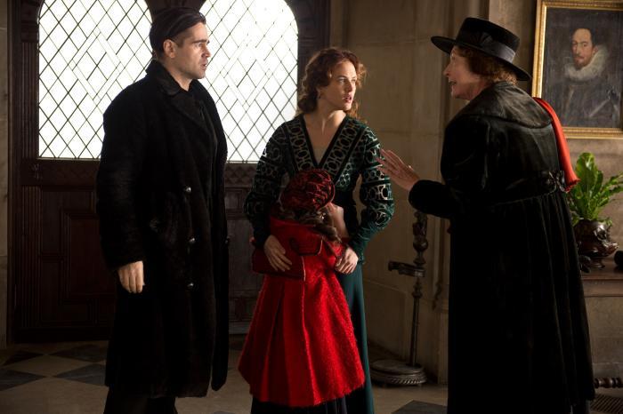 Jessica Brown Findlay در صحنه فیلم سینمایی حکایت زمستان به همراه کالین فارل و Mckayla Twiggs