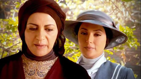 ناتالی متی در صحنه سریال تلویزیونی مدار صفر درجه به همراه رویا تیموریان