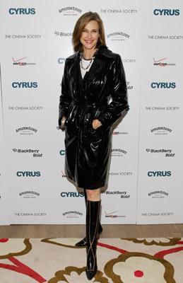 Brenda Strong در صحنه فیلم سینمایی Cyrus