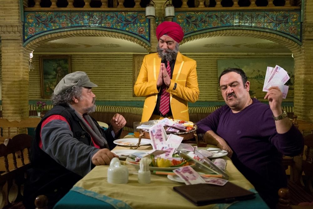 محمدرضا شریفینیا و محمدرضا هدایتی در فیلم سینمایی خالتور