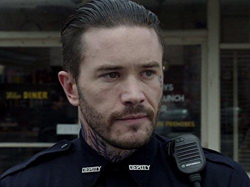 Tom Pelphrey در صحنه سریال تلویزیونی بنشی