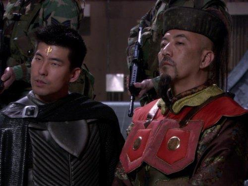 Kevan Ohtsji در صحنه سریال تلویزیونی دروازه ستارگان اس جی-۱