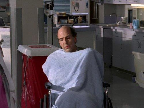 Sam Lloyd در صحنه سریال تلویزیونی اسکرابز