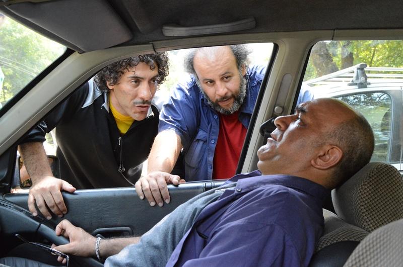 حمیدرضا فلاحی در صحنه فیلم سینمایی فرار از اردو به همراه علیرضا مهران