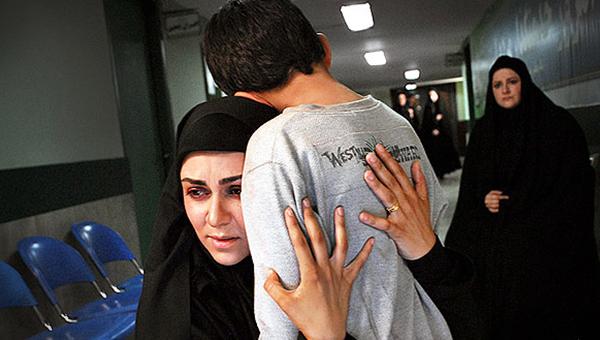 شیوا ابراهیمی در صحنه سریال تلویزیونی زیر هشت