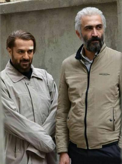 احمد مهرانفر در صحنه فیلم سینمایی کاتیوشا به همراه هادی حجازیفر