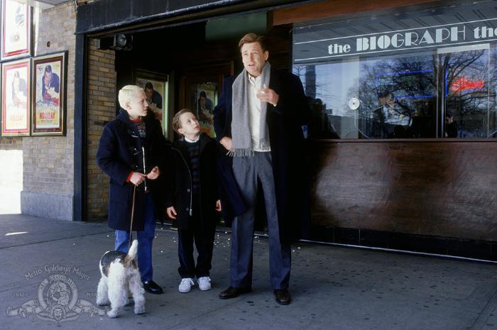 پیتر آنتونی تامباکیس در صحنه فیلم سینمایی Igby Goes Down به همراه بیل پولمن و Rory Culkin
