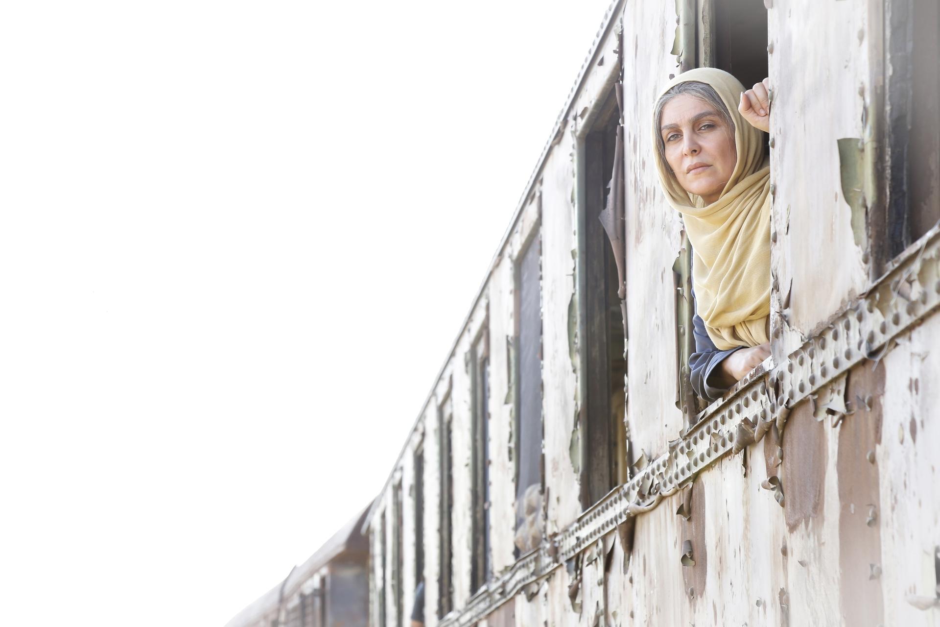 ماهچهره خلیلی در فیلم سینمایی اشنوگل