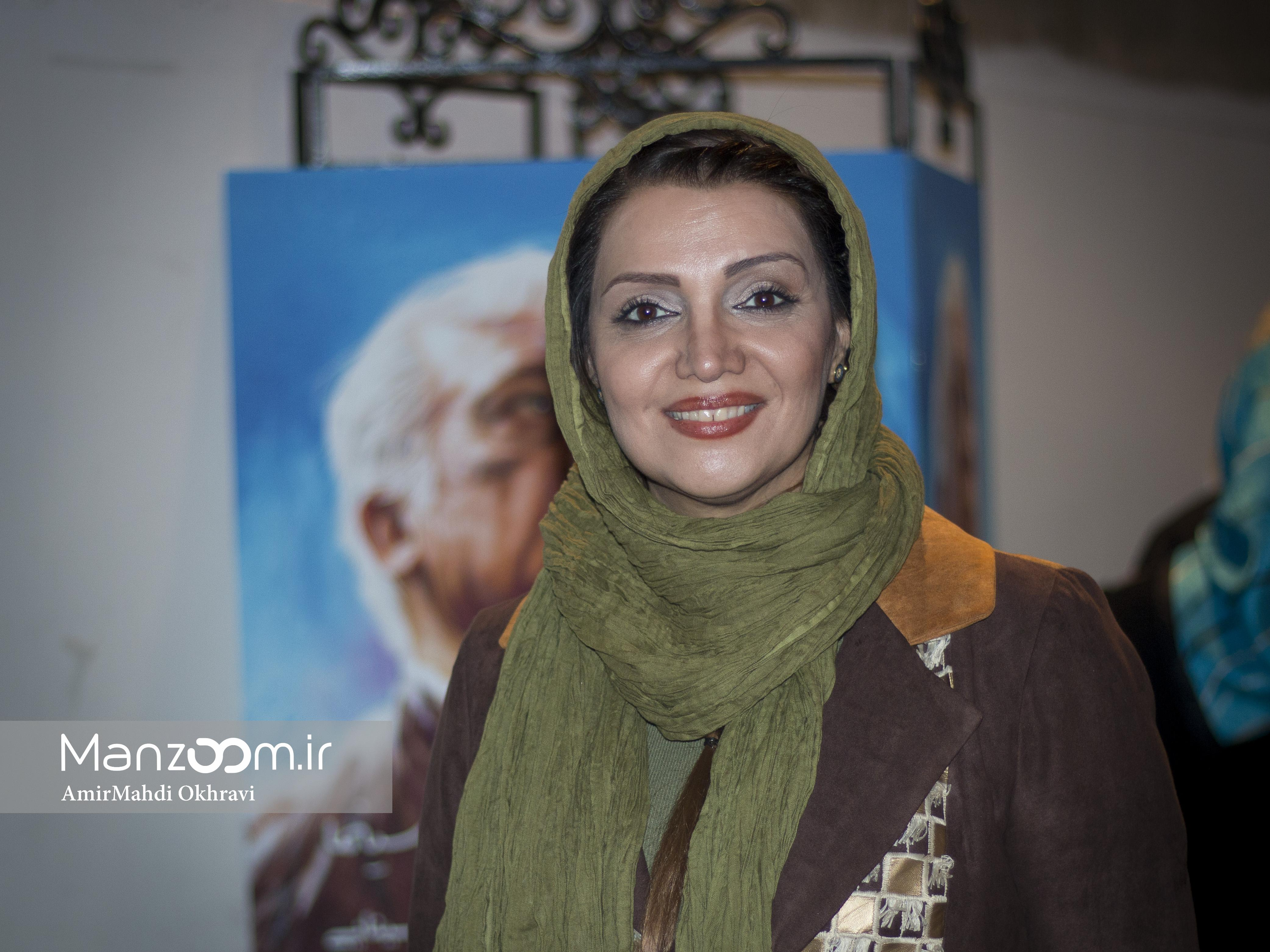 خسرو سینایی، کارگردان و نویسنده سینما و تلویزیون - عکس مراسم خبری به همراه الهام پاوهنژاد