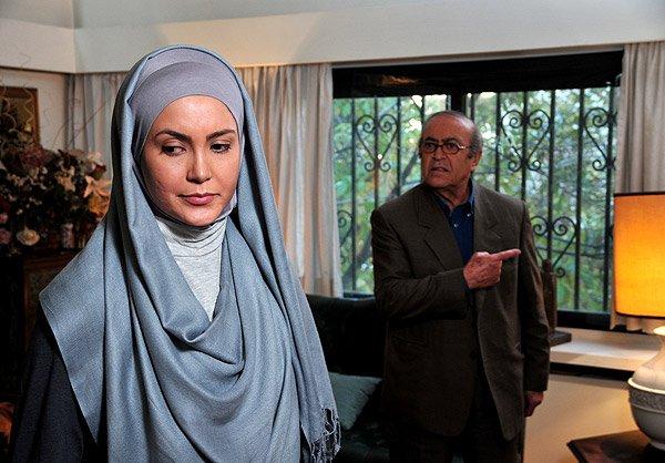 محمد ابهری در صحنه سریال تلویزیونی خانه بی پرنده به همراه سامیه لک