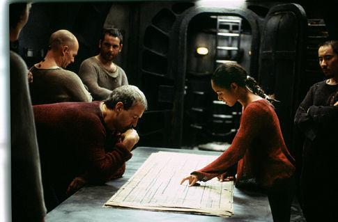 David Roberts در صحنه فیلم سینمایی انقلاب های ماتریکس به همراه Anthony Brandon Wong و جادا پینکت اسمیت