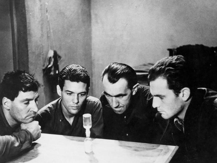 Marc Michel در صحنه فیلم سینمایی حفره به همراه Raymond Meunier، Jean Keraudy و Philippe Leroy