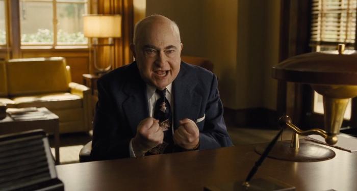 Robert Trebor در صحنه فیلم سینمایی درود بر سزار!