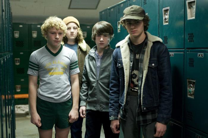 Brett DelBuono در صحنه فیلم سینمایی بگذار وارد شوم به همراه Jimmy 'Jax' Pinchak، Nicolai Dorian و دیلان مینت