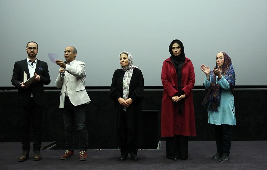 وحید موسائیان در اکران افتتاحیه فیلم سینمایی وقتی برگشتم... به همراه احترام برومند و لادن مستوفی