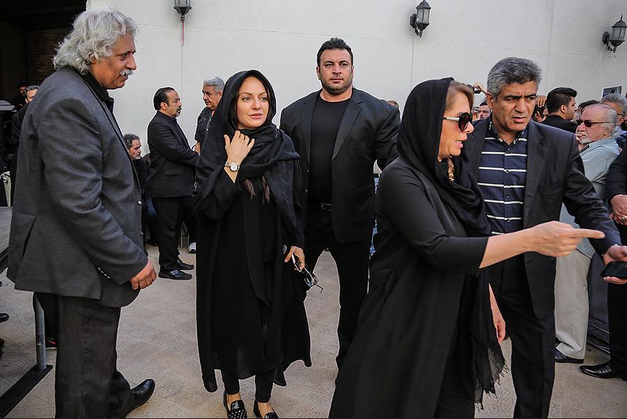 مستانه مهاجر، تدوینگر و تهیه کننده سینما و تلویزیون - عکس مراسم خبری به همراه ناصر ملکمطیعی و مهناز افشار