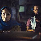 تصویری از نازنین بیاتی، بازیگر سینما و تلویزیون در حال بازیگری سر صحنه یکی از آثارش