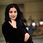 تصویری از آناهیتا افشار، بازیگر سینما و تلویزیون در حال بازیگری سر صحنه یکی از آثارش