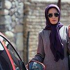 مینا ساداتی در صحنه سریال تلویزیونی تنهایی لیلا