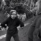 تصویری از هومن سیدی، بازیگر و نویسنده سینما و تلویزیون در حال بازیگری سر صحنه یکی از آثارش