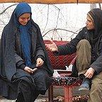 فیلم سینمایی آینه های روبرو به کارگردانی نگار آذربایجانی