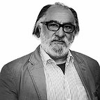 تصویری شخصی از داریوش ارجمند، بازیگر و نویسنده سینما و تلویزیون