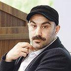 تصویری شخصی از محسن تنابنده، بازیگر و نویسنده سینما و تلویزیون