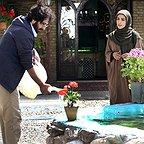 مینا ساداتی در صحنه سریال تلویزیونی تنهایی لیلا به همراه بهروز شعیبی