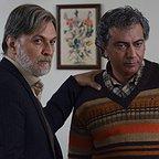 سریال تلویزیونی رهایم نکن با حضور امین تارخ و محمدرضا هدایتی