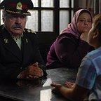 رابعه اسکویی در صحنه فیلم سینمایی دزد و پری به همراه بهزاد فراهانی