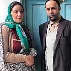 فیلم تلویزیونی خجالت نکش با حضور شبنم مقدمی و احمد مهرانفر