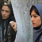 فیلم سینمایی لاک قرمز با حضور پانتهآ پناهیها و پردیس احمدیه